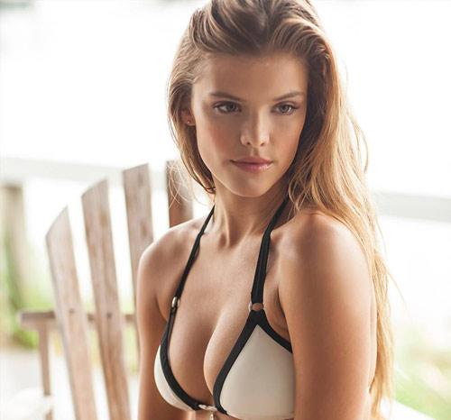 Bikini hai mảnh phô diễn nét đẹp phái nữ - 2