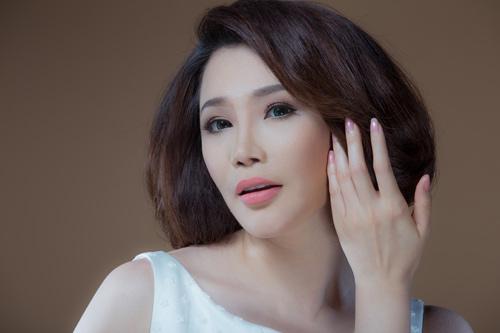 Hương Hồ xinh đẹp như búp bê, Ca nhạc - MTV, Ho Quynh Huong, Huong Ho, bup be, vay trang, tinh khoi, loat anh, ca sy, vung mo, ngoi sao, tin tuc