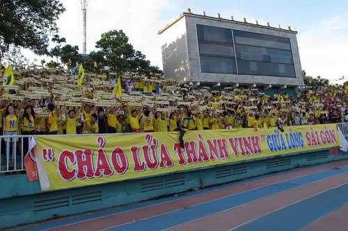 Fan SLNA đổ bộ Hàng Đẫy cổ vũ…Thanh Hóa - 1