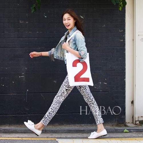 Chân dài quyến rũ trên đường phố Hàn - 12