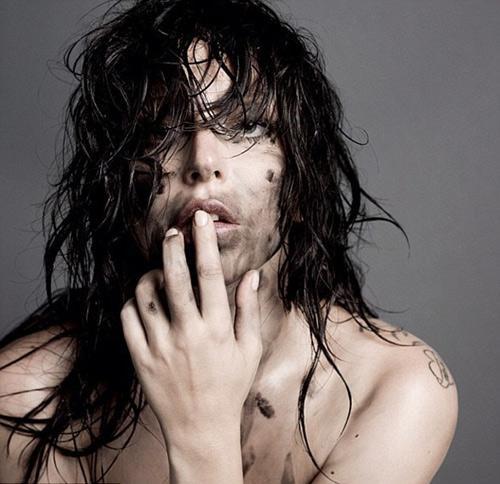 Lady Gaga lại nổi loạn - 6