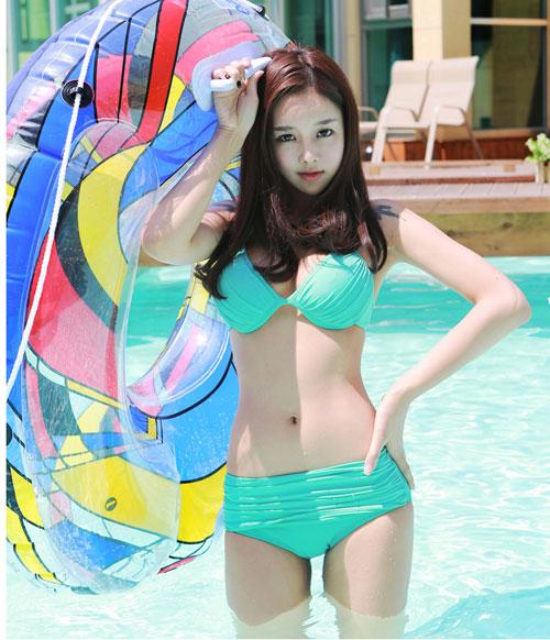Thiếu nữ Hàn gây sốt cộng đồng mạng - 18
