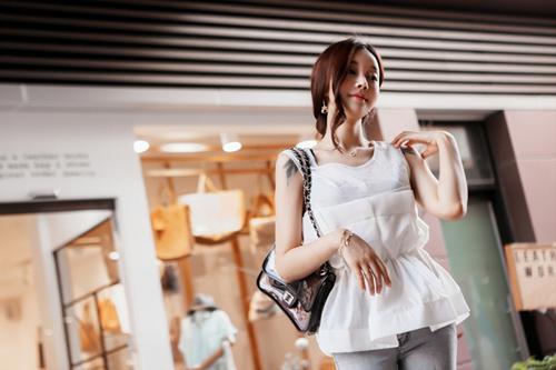 Thiếu nữ Hàn gây sốt cộng đồng mạng - 8
