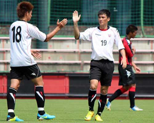 Công Vinh chờ cơ hội ở Sapporo - 1
