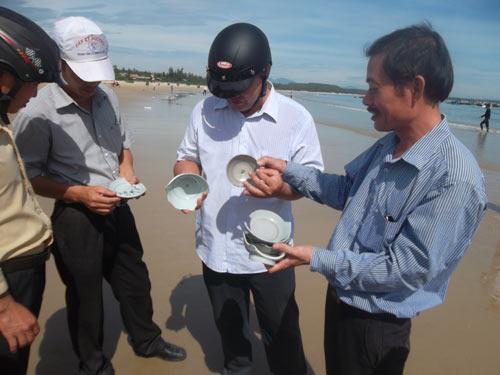 Quảng Ngãi: Lại phát hiện tàu cổ chứa cổ vật - 3