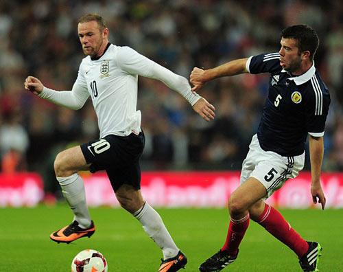 Rooney đã trở lại đội 1 MU - 3