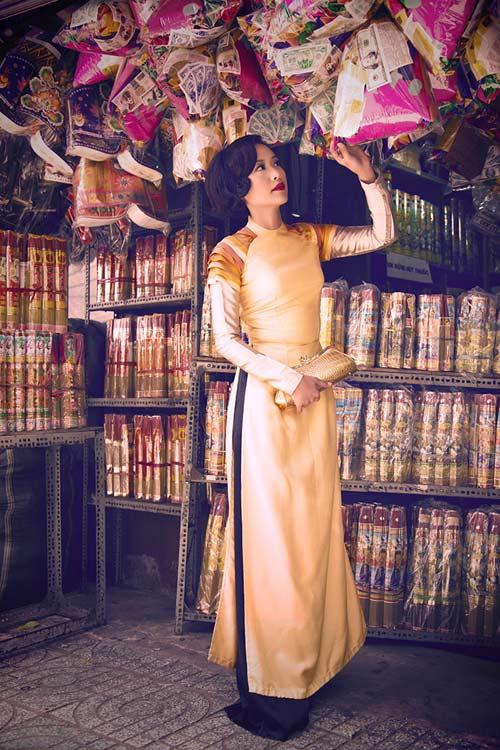 Hồng Ánh quý phái với áo dài xưa - 11