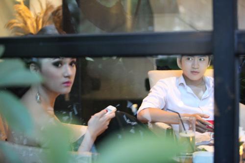 Hương Giang Idol gây chú ý cùng trai lạ - 5