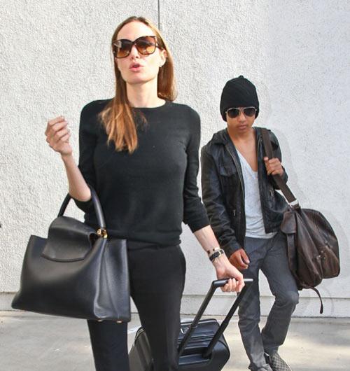 """Angelina Jolie tự tin dù lộ """"bí mật"""" - 4"""