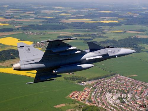 Top 24 máy bay quân sự hàng đầu thế giới (P1) - 7