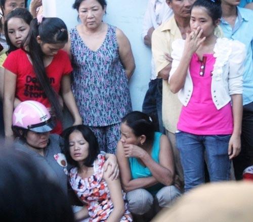Bé gái 2 tuổi bị xe tải cán chết trong hẻm - 2