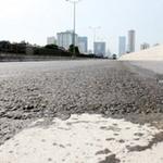 Tin tức trong ngày - Sau 8 tháng thông xe, đường trên cao lún nứt