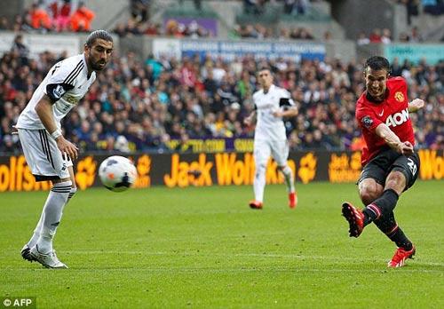 Rooney giúp Persie và Welbeck ghi bàn - 7