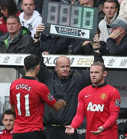 Rooney giúp Persie và Welbeck ghi bàn - 4