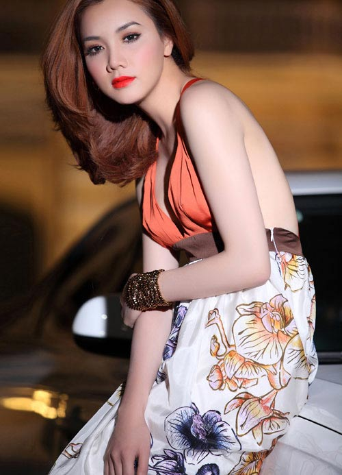 """Lối mặc """"thiếu an toàn"""" của Trang Nhung - 2"""