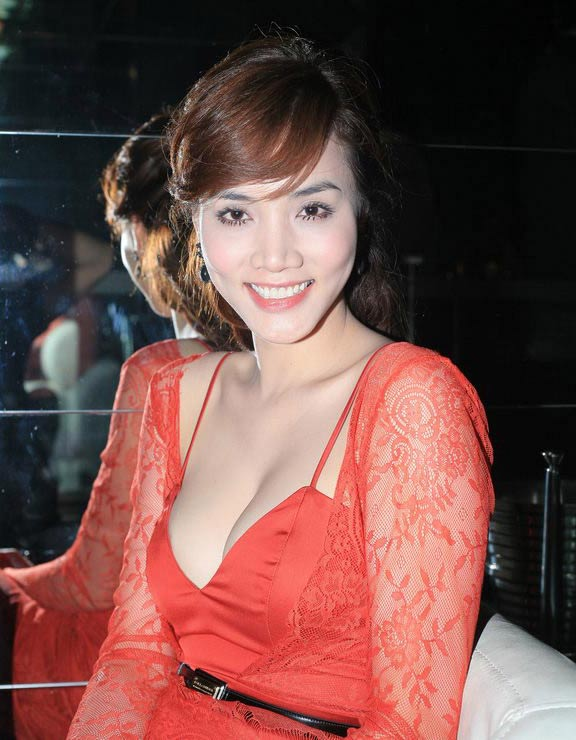 """Lối mặc """"thiếu an toàn"""" của Trang Nhung - 7"""