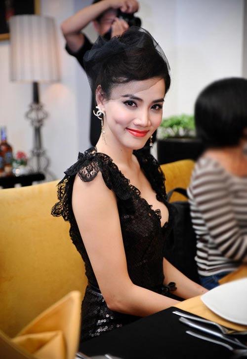 """Lối mặc """"thiếu an toàn"""" của Trang Nhung - 5"""