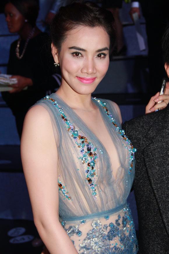 """Lối mặc """"thiếu an toàn"""" của Trang Nhung - 13"""
