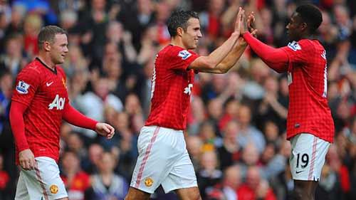 MU: Tam tấu Persie – Welbeck – Rooney - 2