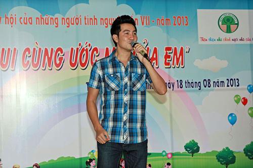 Hoàng Mập, Quỳnh Anh thăm bệnh nhi, Ca nhạc - MTV, Hoang map, truong quynh anh, danh hai hoang map, ba me mot con, nghe si di tu thien, benh nhi, ha anh, nguyen phi hung, ca si, dien vien