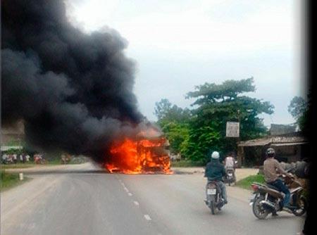 Vụ cháy xe khách: Bộ Công an vào cuộc - 1