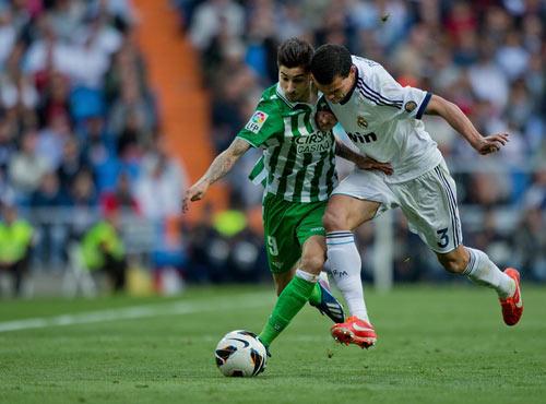 "Real: Khi Isco ""che mờ"" Ronaldo - 1"