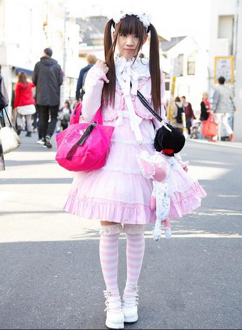 """""""Búp bê """" Nhật lang thang trên phố đông - 11"""