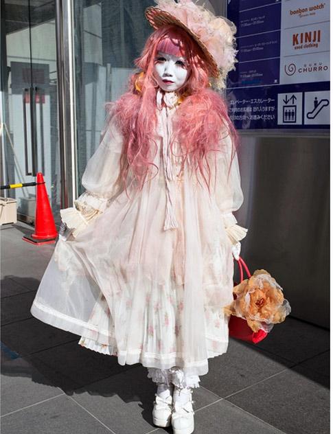 """""""Búp bê """" Nhật lang thang trên phố đông - 16"""
