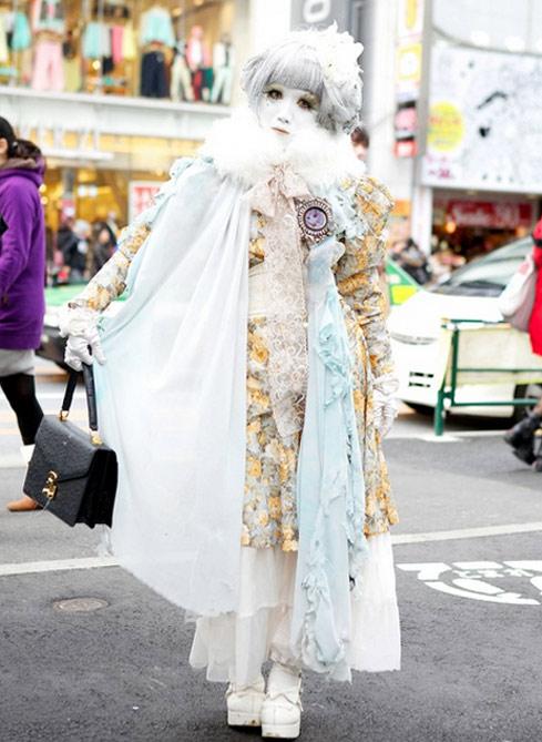 """""""Búp bê """" Nhật lang thang trên phố đông - 17"""