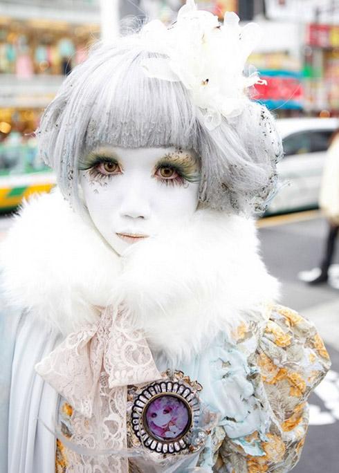 """""""Búp bê """" Nhật lang thang trên phố đông - 18"""