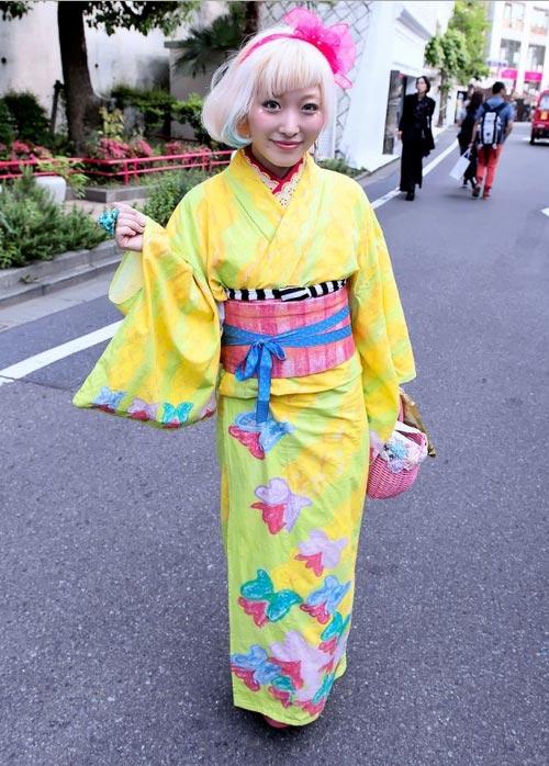 """""""Búp bê """" Nhật lang thang trên phố đông - 3"""