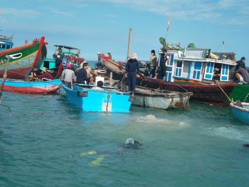 Quảng Ngãi: Phát hiện tàu chứa cổ vật thứ 3 - 3