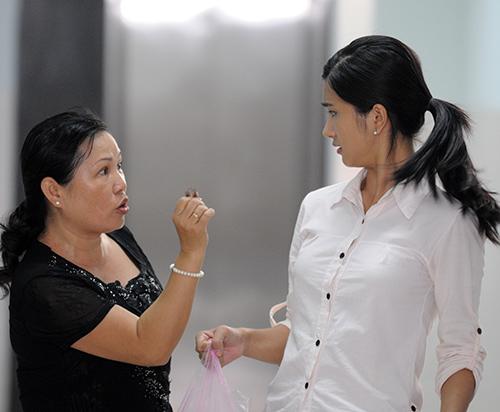 """Việt Anh bị """"phạt hiểm"""" trong phim mới - 11"""