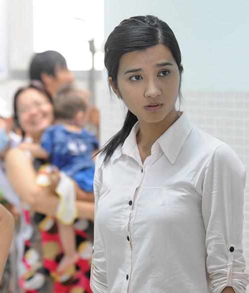 """Việt Anh bị """"phạt hiểm"""" trong phim mới - 12"""