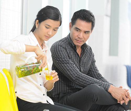 """Việt Anh bị """"phạt hiểm"""" trong phim mới - 13"""