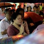 Tin tức trong ngày - Hàng nghìn người đội mưa làm lễ Vu Lan