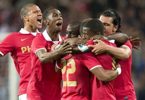 PSV - Milan: Lợi thế mong manh - 1