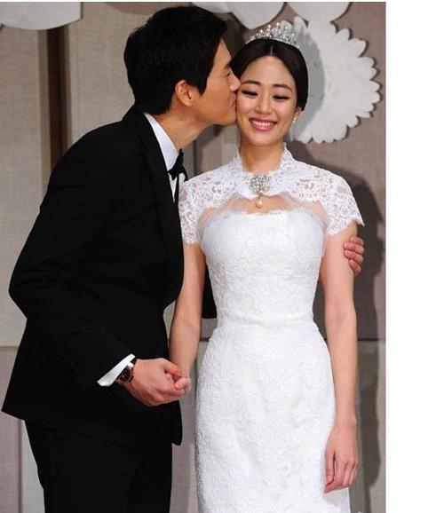 Sao Hàn mặc váy cưới xấu nhất - 2