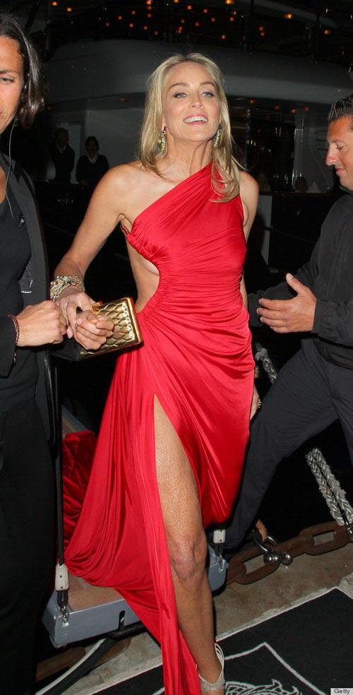 Lady Gaga lộ vòng 1 nhăn nheo, rạn nứt - 11
