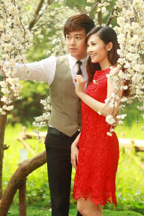 Phan Anh, Thùy Linh lãng mạn bên hoa - 1