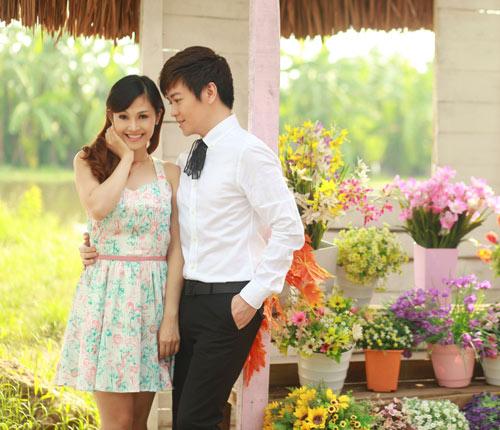 Phan Anh, Thùy Linh lãng mạn bên hoa - 4