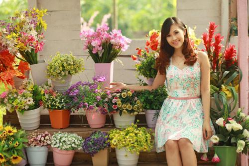 Phan Anh, Thùy Linh lãng mạn bên hoa - 8