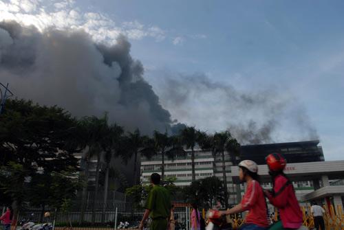 Cháy tại KCN Pou Yuen: Báo cháy chậm - 2