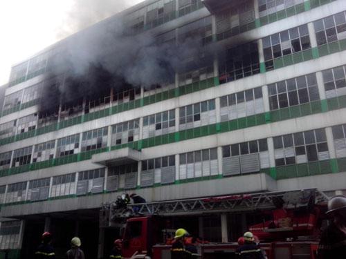 Cháy tại KCN Pou Yuen: Báo cháy chậm - 3