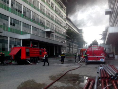 Cháy tại KCN Pou Yuen: Báo cháy chậm - 4