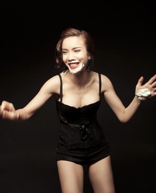 Yến Trang táo bạo ngày trở lại, Ca nhạc - MTV, Yen Trang, sexy, goi cam, dong phim, buoc nhay hoan vu, quan quan, boc lua, ngoi sao, ca sy, tin tuc