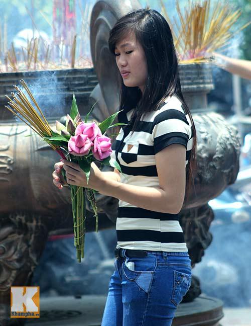 Sài Gòn: Lên chùa cầu phúc cho cha mẹ - 4