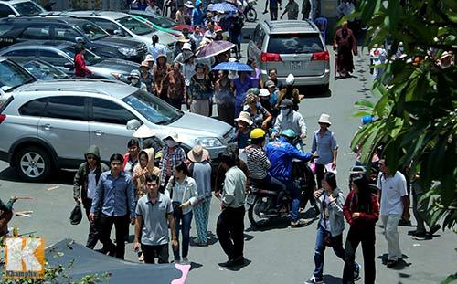 Sài Gòn: Lên chùa cầu phúc cho cha mẹ - 2