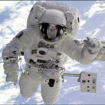 Tin tức trong ngày - Phút sinh tử của phi hành gia trong vũ trụ
