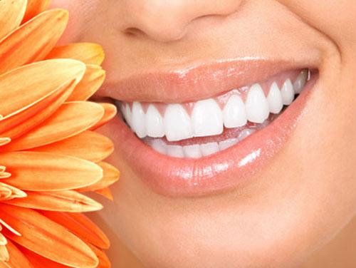 Tẩy trắng răng tại nhà với kem tẩy trắng Plus White - 2